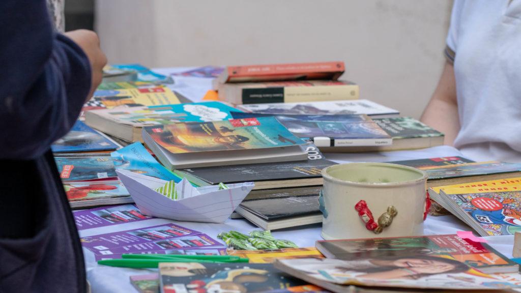 Feria de libros en el IPESMI